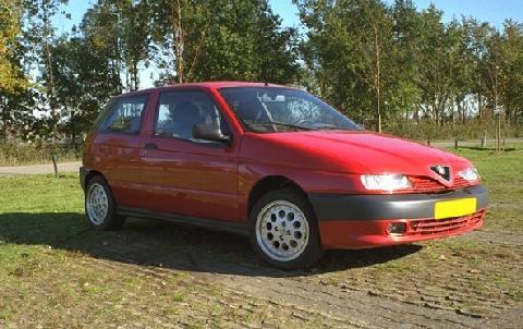 Alfa Romeo 145 1.6