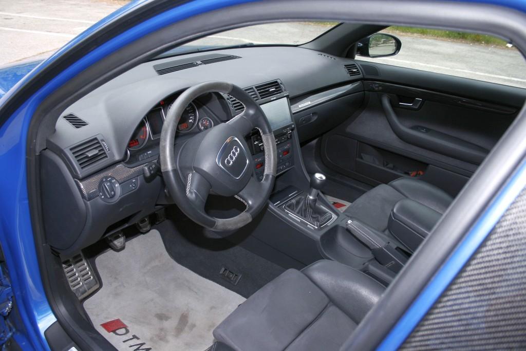 Audi A4 2.0 T FSI Quattro DTM Edition