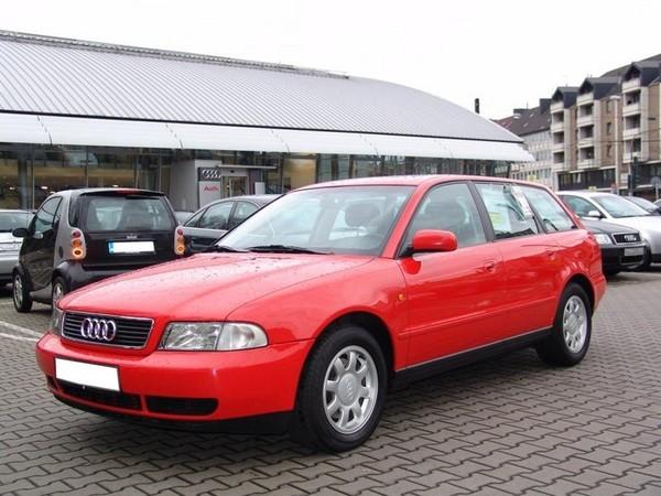 Audi A4 AVANT 2.4 QUATTRO