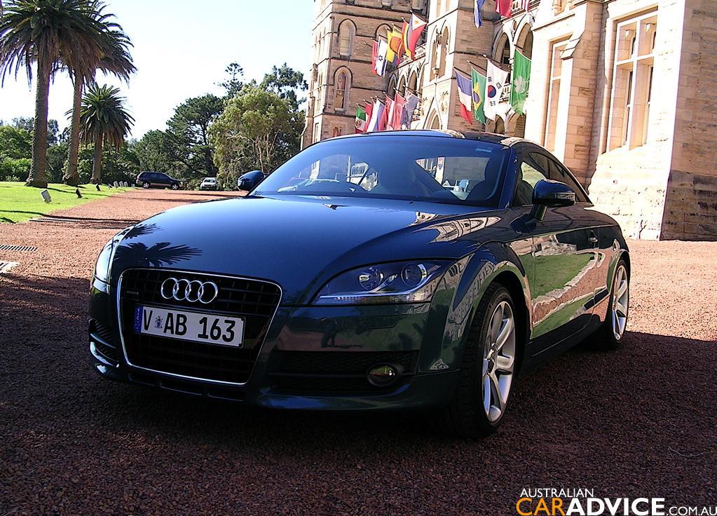 Audi TT Coupe 3.2 quattro AT