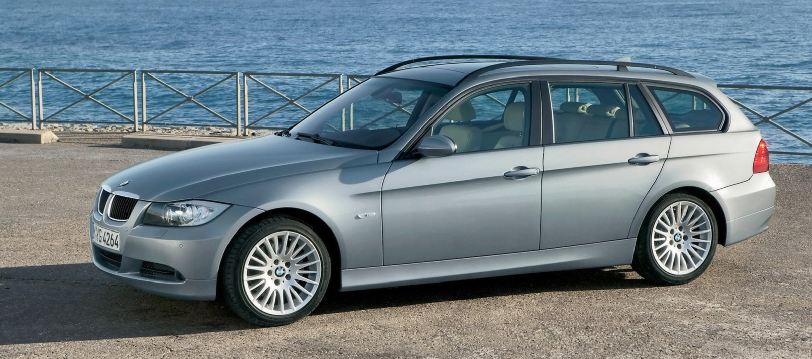 BMW 328i Sportswagon