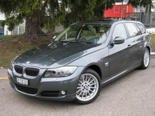 BMW 330i x Drive Touring