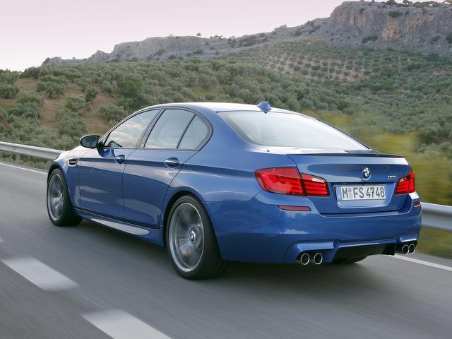 BMW M5 4.4 AT Bazovaia