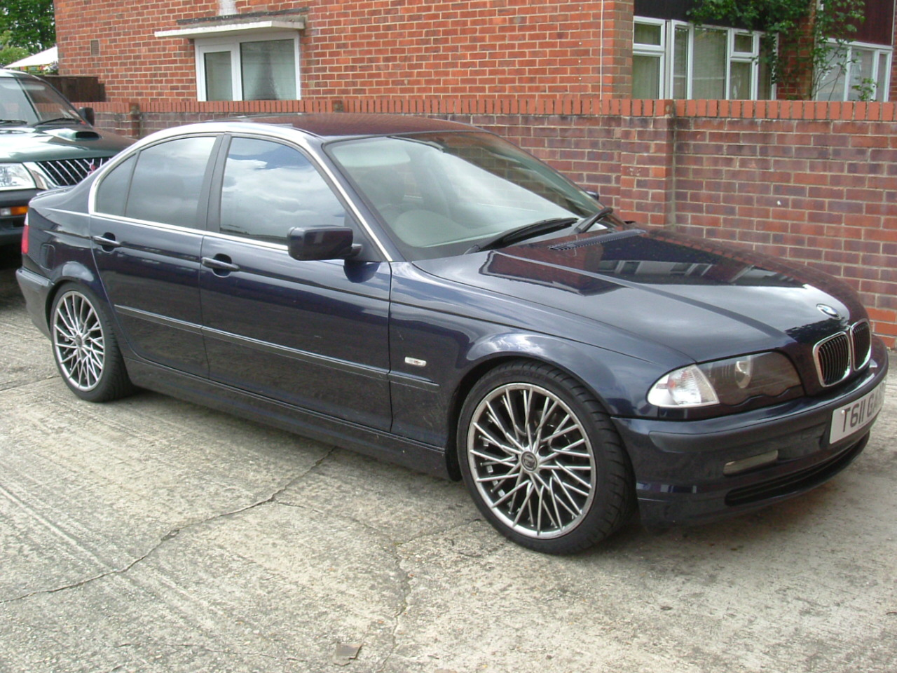 BMW 3 325xi AT