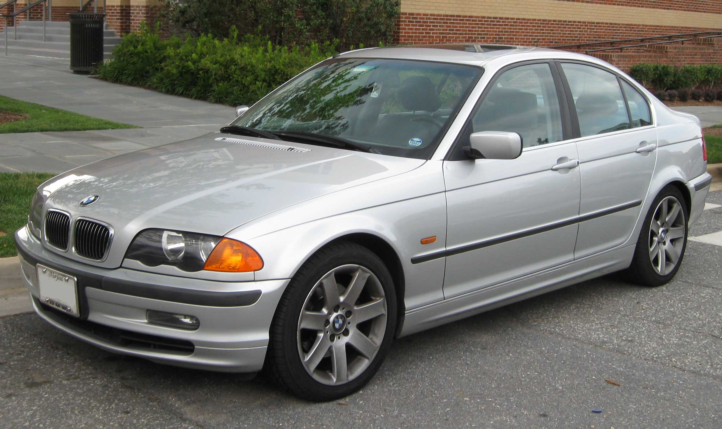 BMW 328i Sedan