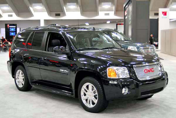 GMC Envoy XL Denali