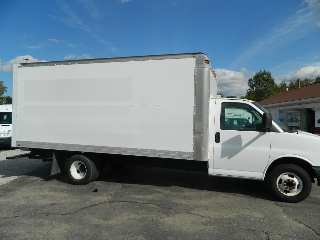 GMC Savana Cargo Van G3500