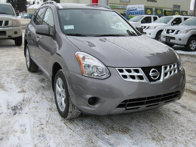 Nissan Rogue SV 4WD