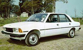 Peugeot 305
