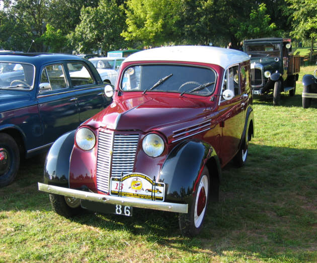 Renault Juva Quatre