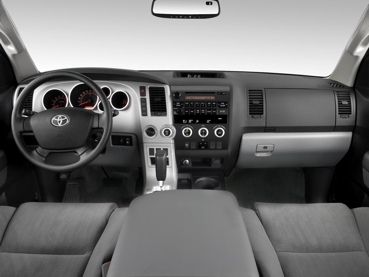 Toyota Sequoia SR-5