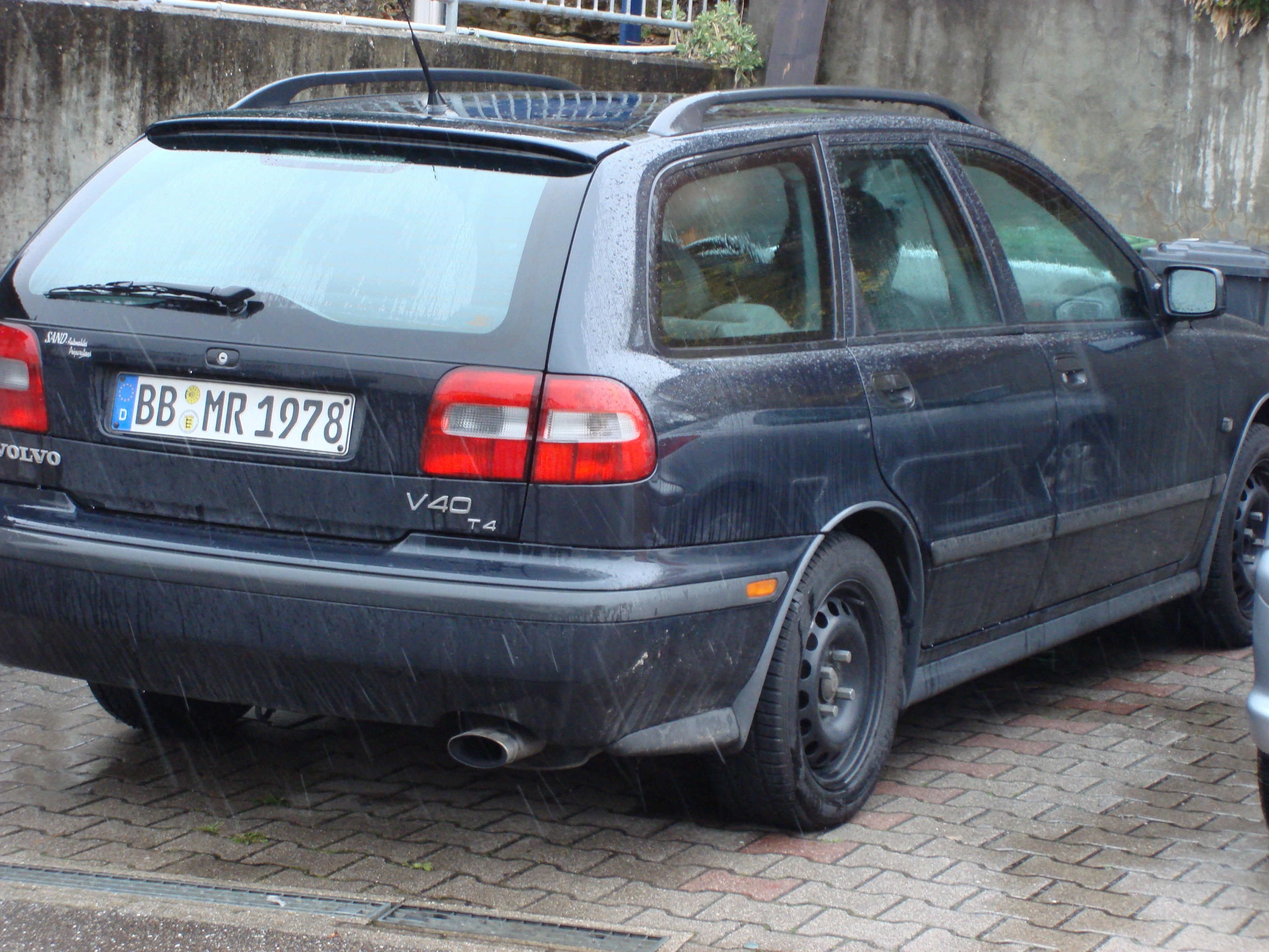 Volvo V40 T4