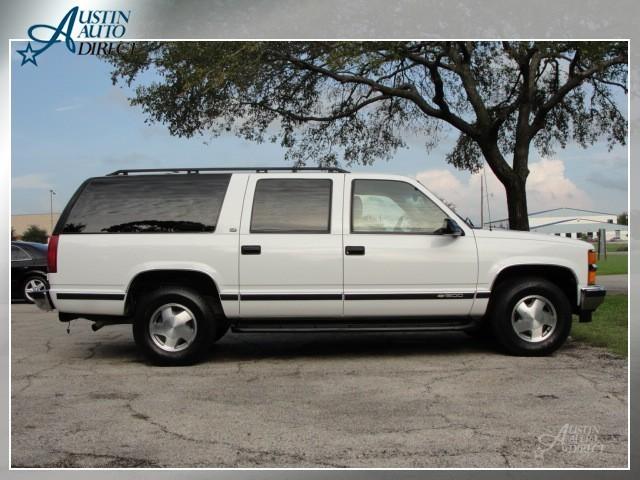 Chevrolet Suburban 5.7