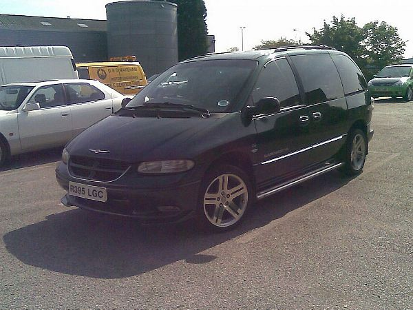 Chrysler Voyager 3.3 AT