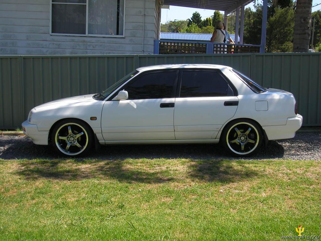 View Of Daihatsu Applause 4WD Photos Video Features And