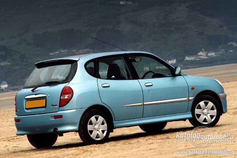 Daihatsu Sirion 1.3 i 16V 4WD AT