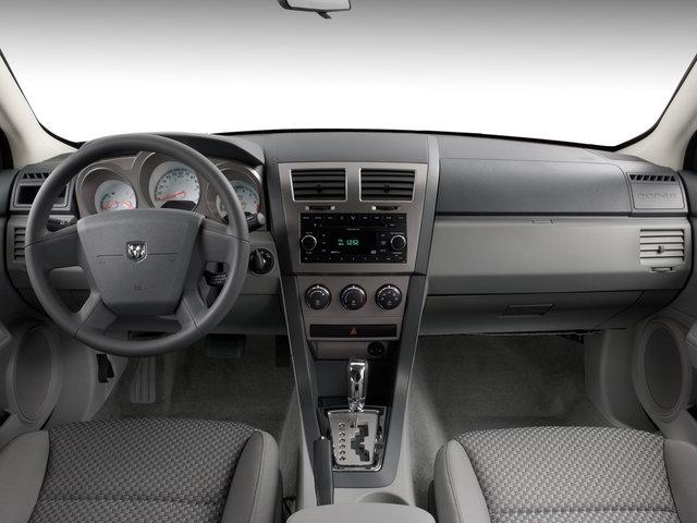 Dodge Avenger SE