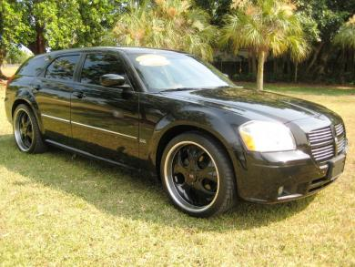 Dodge Magnum SE