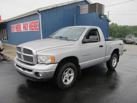 Dodge Ram 1500 Regular Cab 4x4 ST