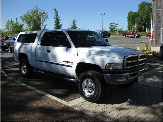 Dodge RAM 5.9 V8 2500 4WD Quad Cab MT