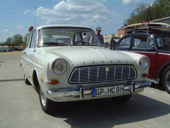 Ford 12M