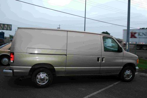Ford E-150 Van
