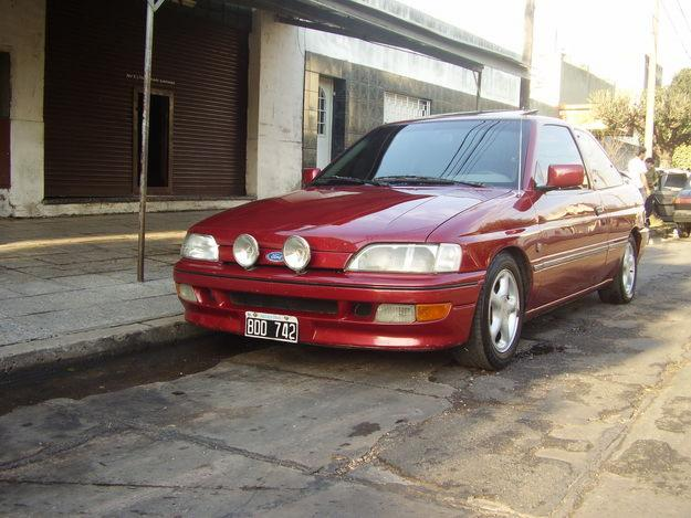 Ford Escort 2.0 i XR3