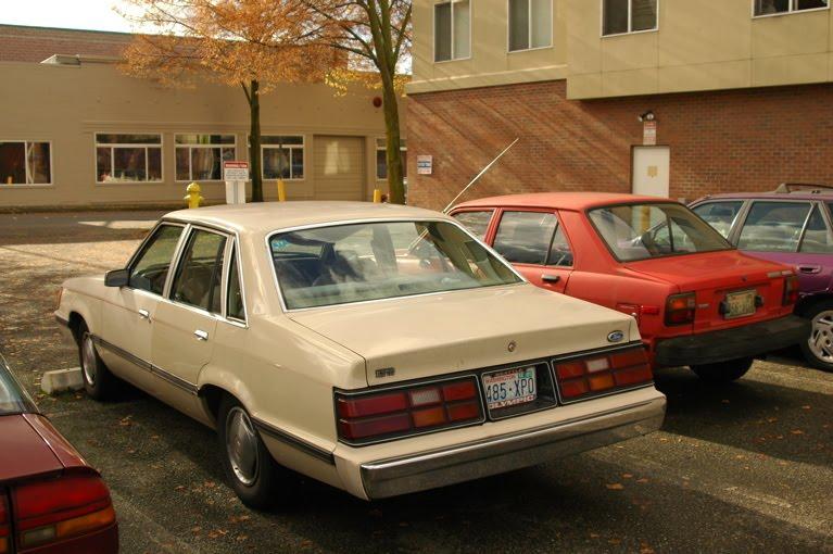 Ford LTD Sedan