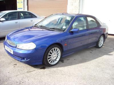 Ford Mondeo 2.5 MT