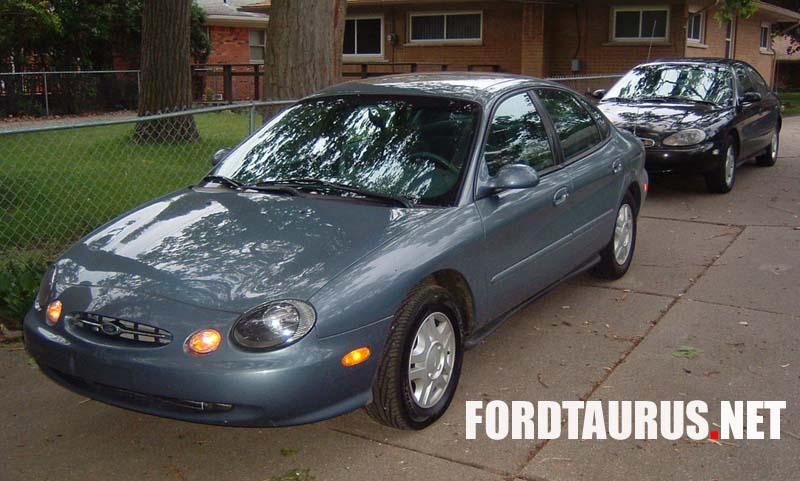 Ford Taurus SE