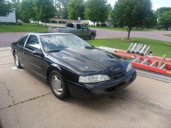 Ford Thunderbird 3.8 i V6 Super MT