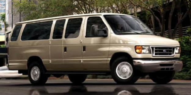 Ford Wagon E-150 Chateau