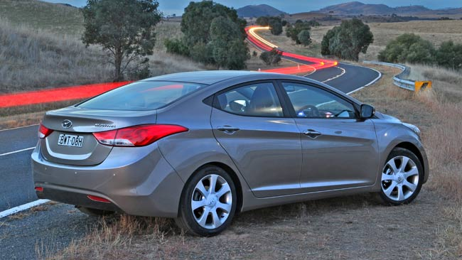 Hyundai Elantra 1.8 AT