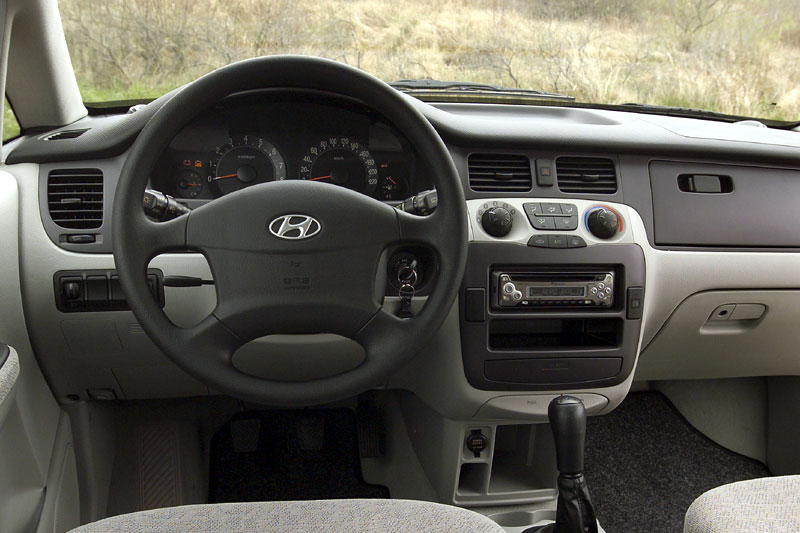 Hyundai Trajet 2.7 AT