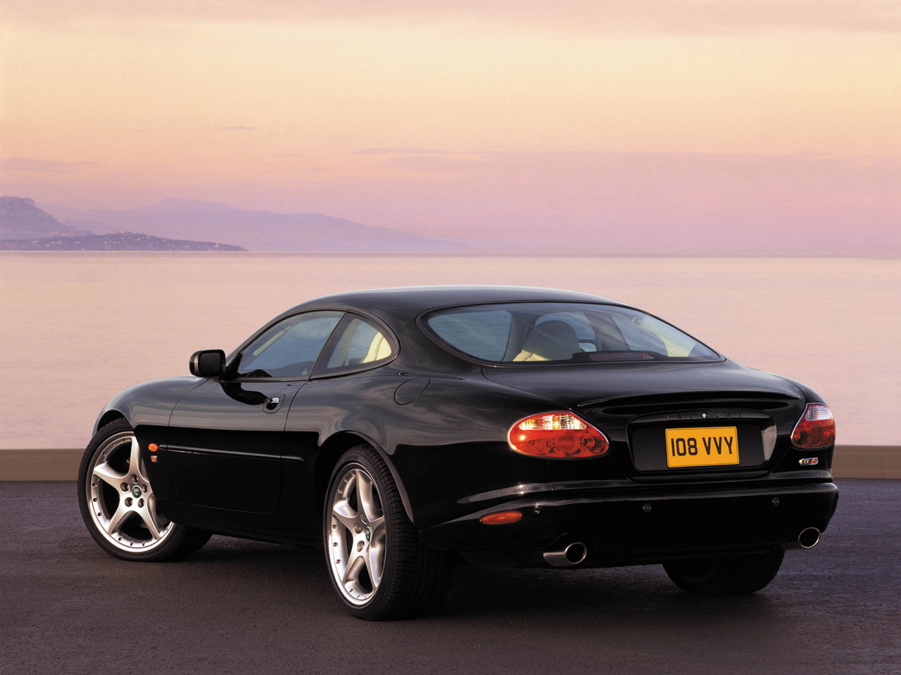 Jaguar XK XKR Coupe