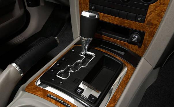 Jeep Grand Cherokee 5.2 223hp 2WD AT