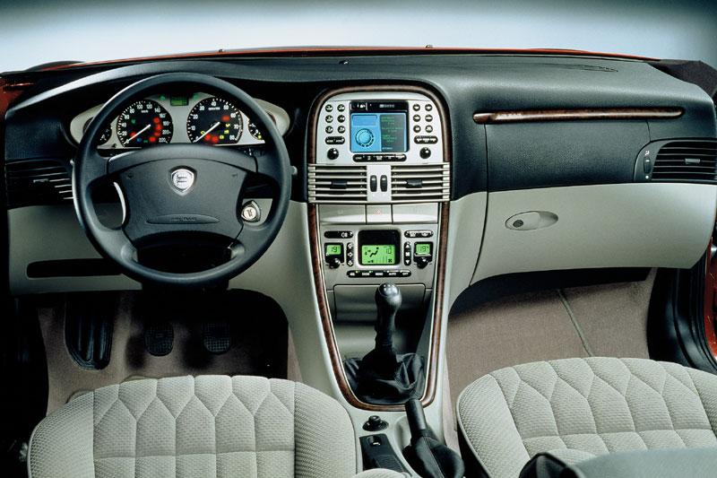 Lancia Lybra 1.6 16V