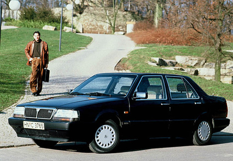 Lancia Thema 2000 i.e.