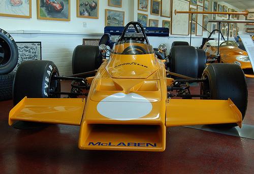 McLaren M21
