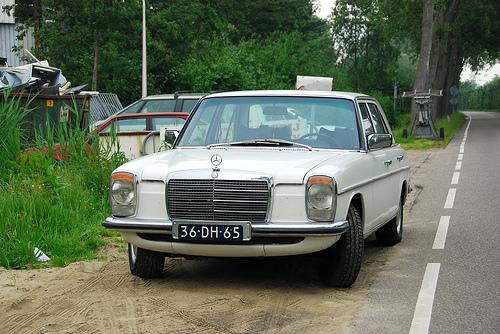 Mercedes-Benz 230.4
