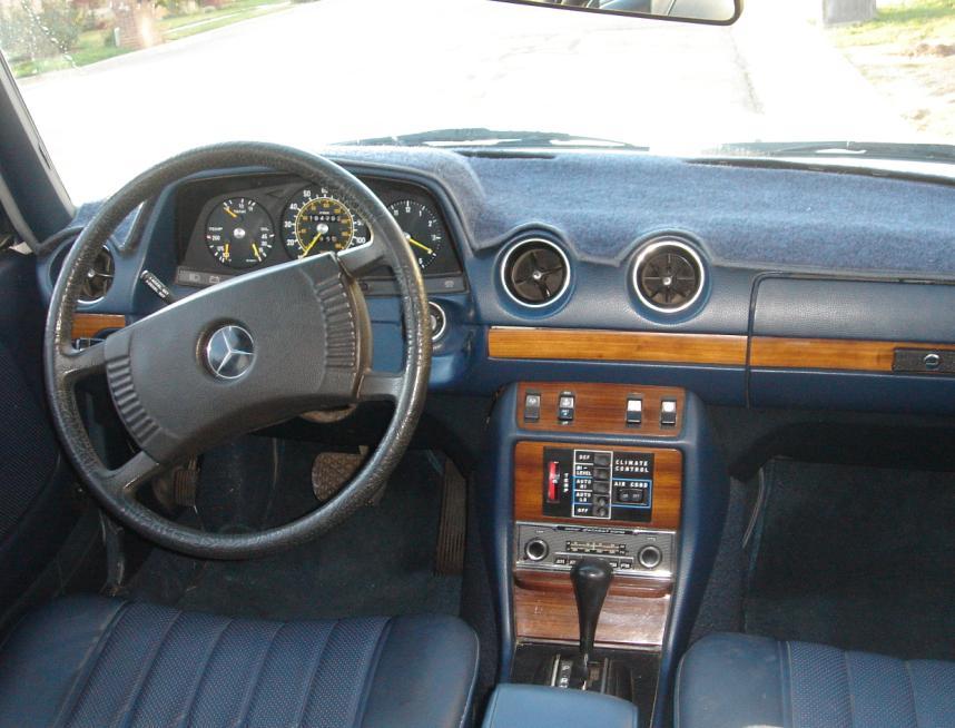 Mercedes-Benz 300D