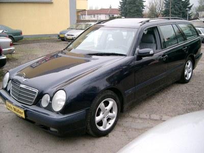 Mercedes-Benz E 200 T Kompressor Classic