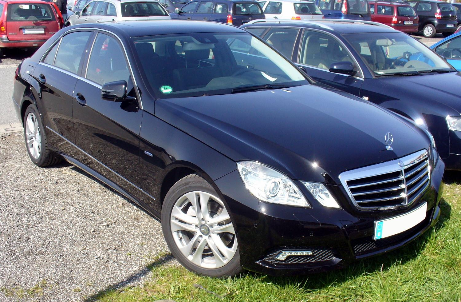 Mercedes-Benz E 220 CDi BlueEfficiency