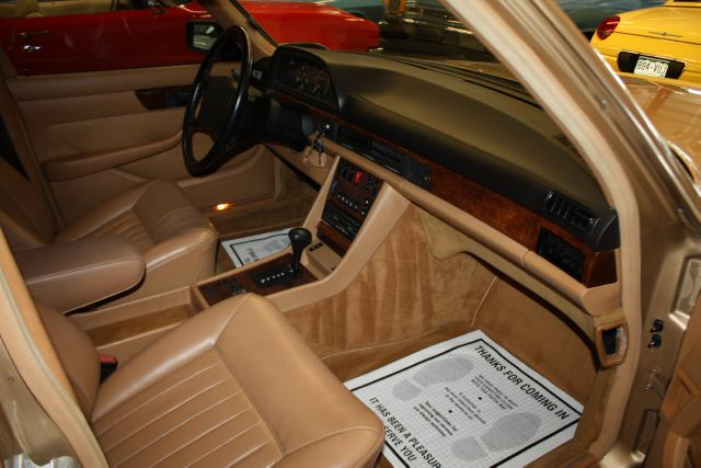 Mercedes-Benz E 330