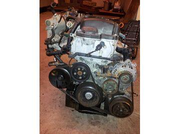 Nissan Almera 1.8 16V MT