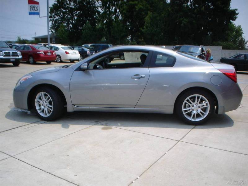 Nissan Altima Coupe 3.5 SE