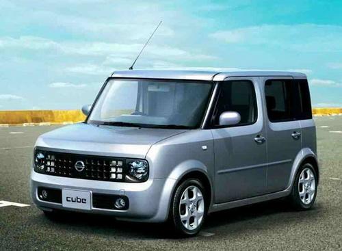 Nissan Cube 1.8