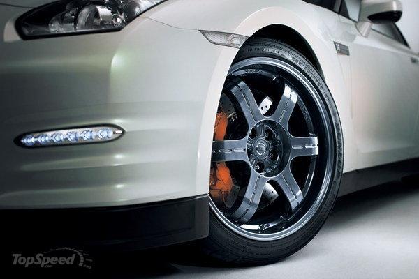 Nissan GT-R 3.8 530hp AT