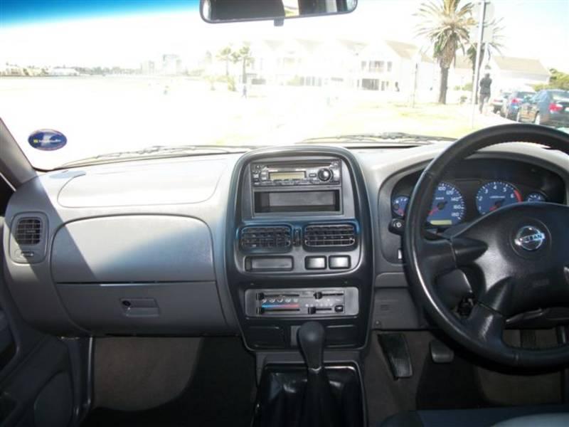 Nissan Hardbody 2400i Hi-Rider D-Cab