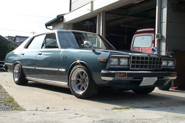 Nissan Laurel C230